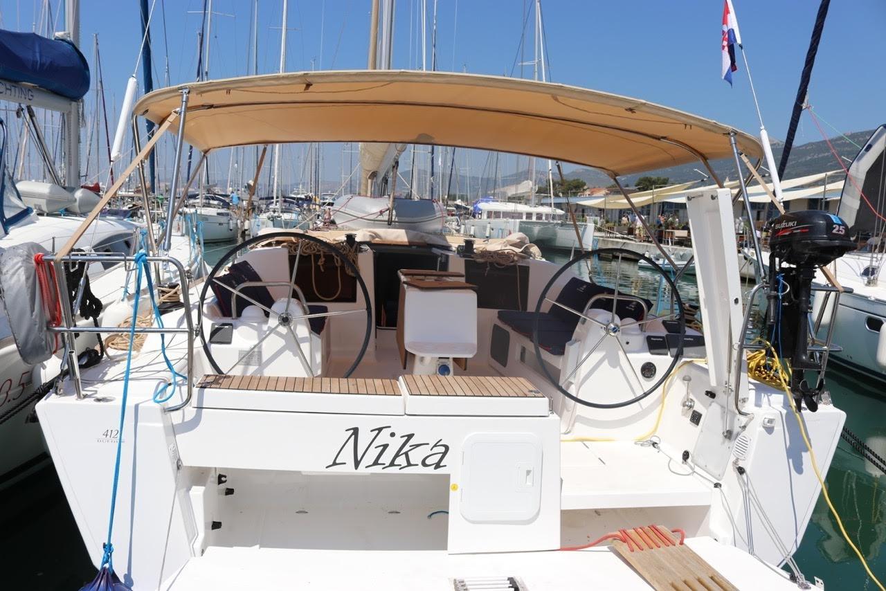 Dufour 412 GL, Nika