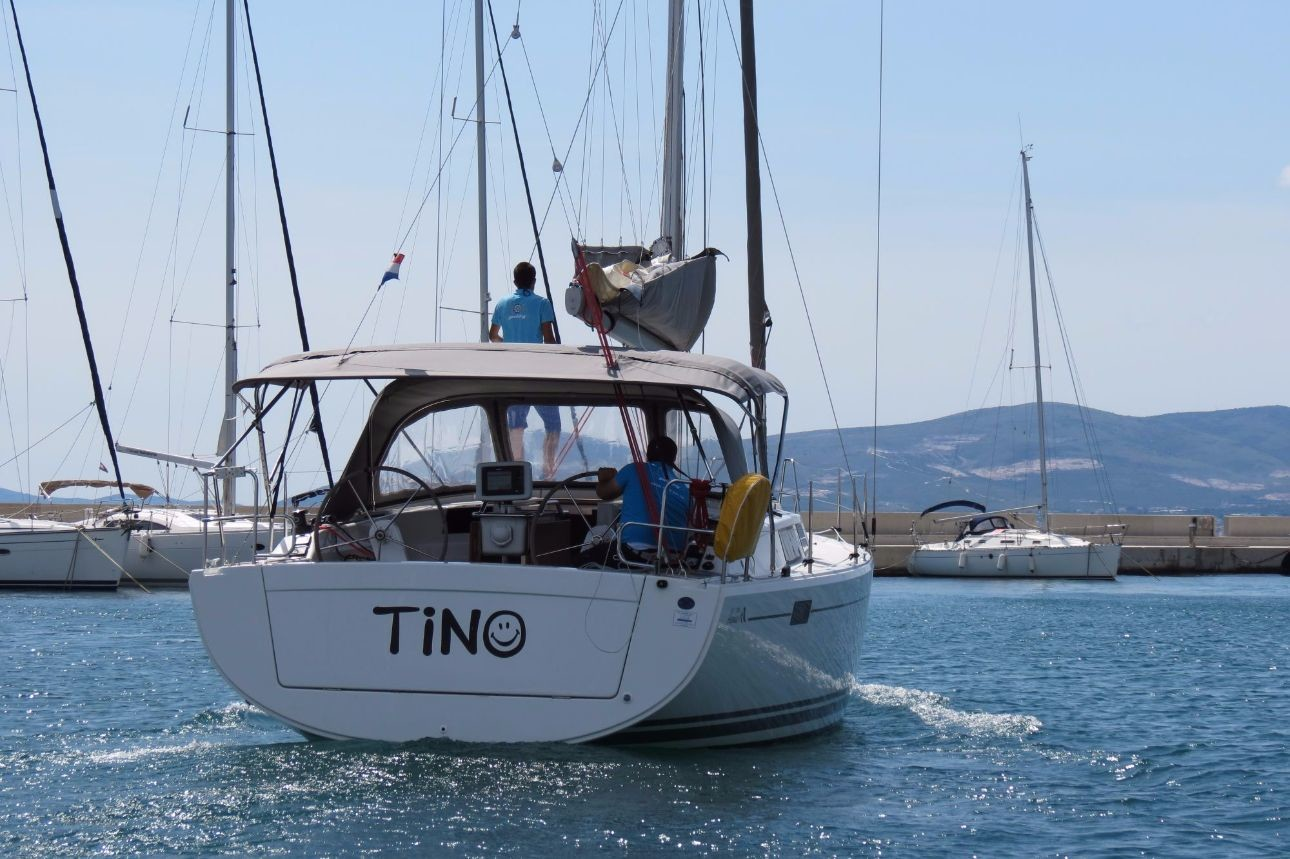 Hanse 385, Tino