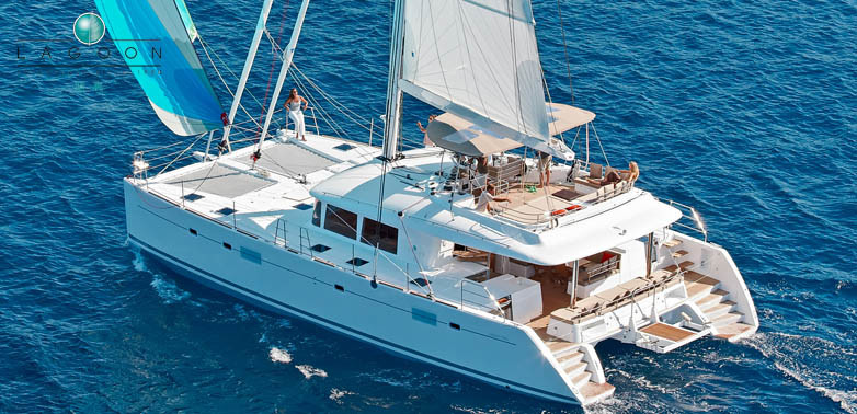 Lagoon 560 S2, Starlight (Crewed)