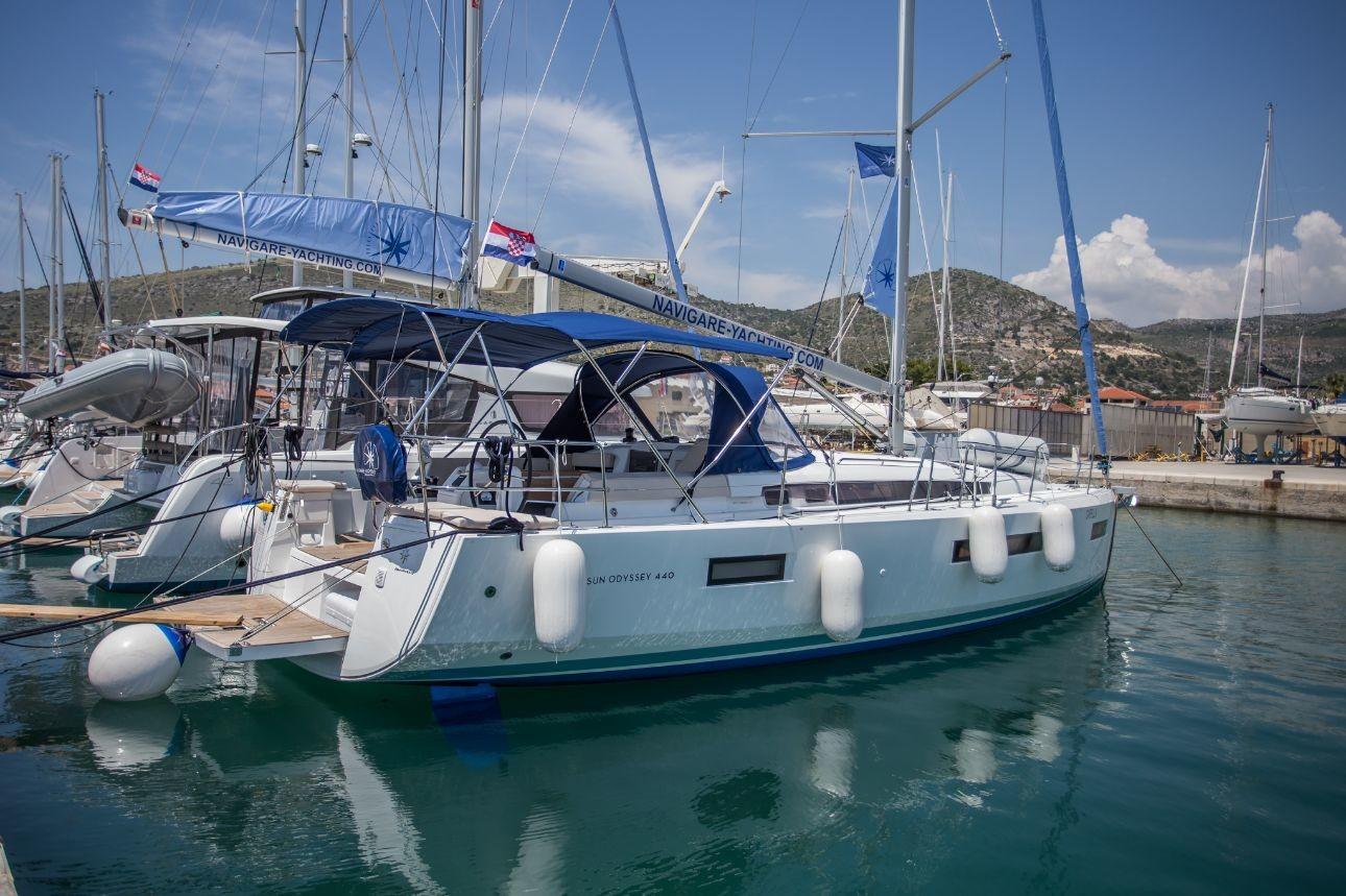 Sun Odyssey 440, La Baavca